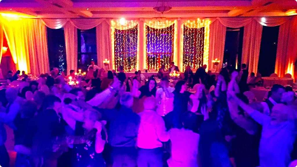 PLAYLIST with Keira & Gordon at their wedding in Trim Castle on the 19th November 2016