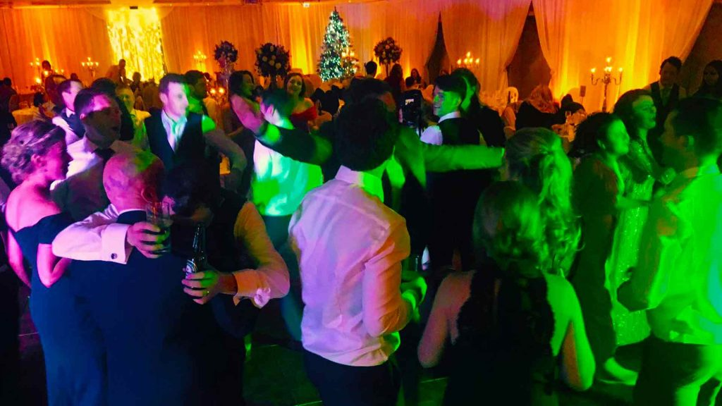 PLAYLIST with Vanessa & James at their wedding in Carton House on the 17th December 2016