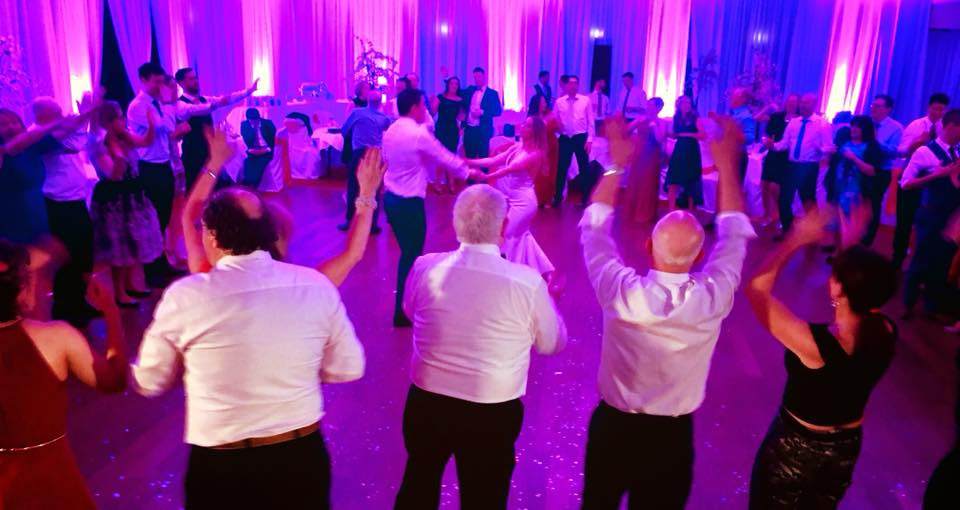 PLAYLIST with Vicci & Colm at their wedding in Kilronan Castle on the 24th February 2018