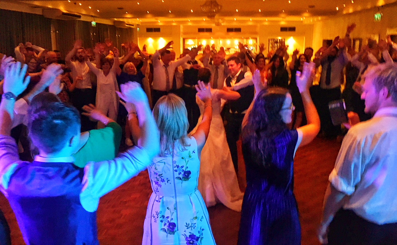 PLAYLIST with Michelle & Cathal at their wedding in the Ferrycarrig Hotel on the 22nd September 2017