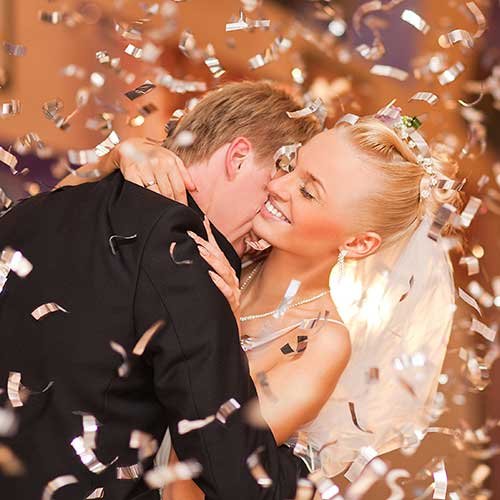 Ceremony And Reception Gap: Unique Entertainment Ideas For A Memorable Wedding Day