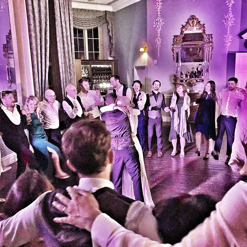 PLAYLIST with Lauren & James at their wedding in Luttrellstown Castle on the 15th June 2019